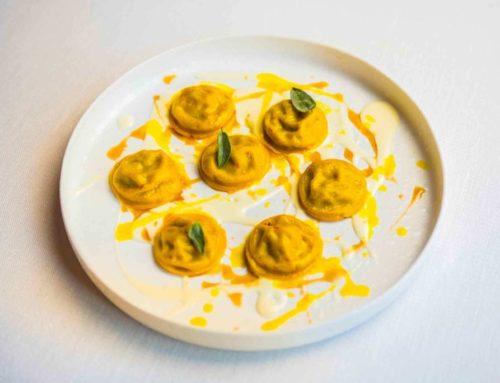 Ravioli allo Zafferano ripieni di Ossobuco e crema al Parmigiano